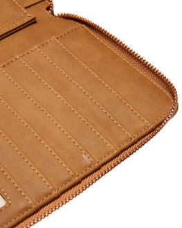 TAN WOMENS ACCESSORIES VOLCOM PURSES + WALLETS - E6041977TAN