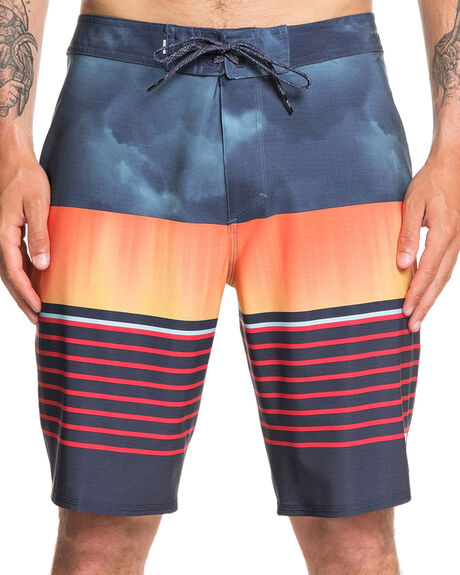 MOONLIT OCEAN MENS CLOTHING QUIKSILVER BOARDSHORTS - EQYBS04267-BYK6
