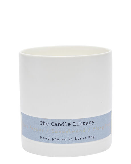 PEPPER SANDAL YLANG HOME + BODY HOME THE CANDLE LIBRARY HOME FRAGRANCE - 3BBCL05NVY