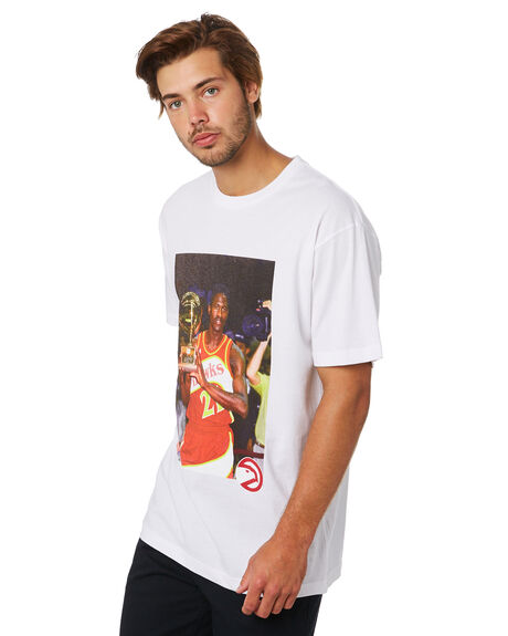 HAWKS WHITE MENS CLOTHING MITCHELL AND NESS TEES - 4173OFFCOURTHKWHT