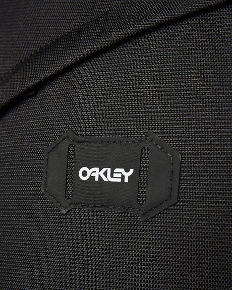 BLACKOUT MENS ACCESSORIES OAKLEY BAGS + BACKPACKS - 921417-02E02E