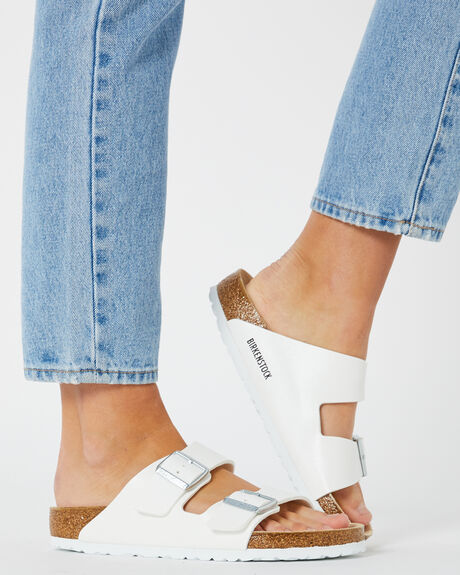 WHITE WOMENS FOOTWEAR BIRKENSTOCK FASHION SANDALS - 051731WWHI