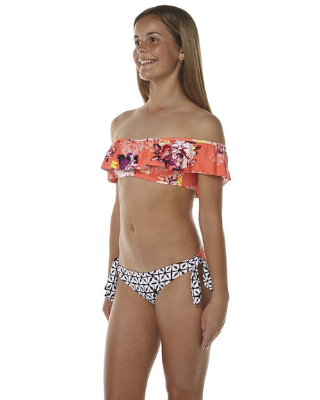 Women's swimsuits in sizes 4 & up. We make shopping for swimwear as fun as being in one. Save at swimsuitsforall today!