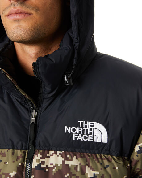 OLIVE CAMO PRINT MENS CLOTHING THE NORTH FACE JACKETS - NF0A3C8DLJ8