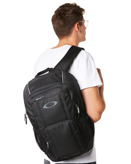 BLACKOUT MENS ACCESSORIES OAKLEY BAGS + BACKPACKS - 921379-02E