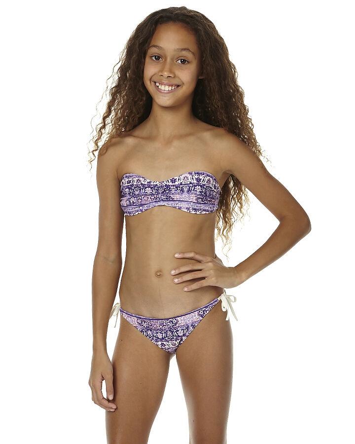 young-black-models-girl-edyta-sliwimska-nude