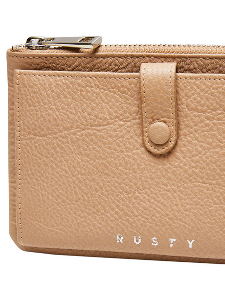 LATTE WOMENS ACCESSORIES RUSTY PURSES + WALLETS - WAL0815LAT