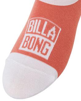 ASSORTED WOMENS CLOTHING BILLABONG SOCKS + UNDERWEAR - 6695701A01