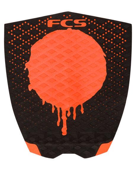 BLACK ORANGE SURF HARDWARE FCS TAILPADS - 26828BLKOR1