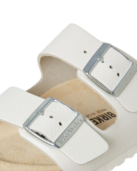 WHITE WOMENS FOOTWEAR BIRKENSTOCK FASHION SANDALS - 051131WHI