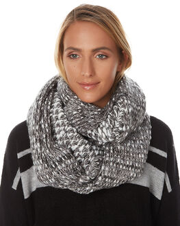 BLACK OUT WOMENS ACCESSORIES O'NEILL SCARVES + GLOVES - 3722201BLK