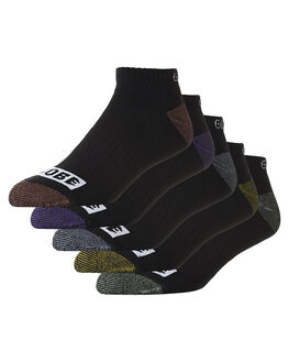 ASSORTED MENS CLOTHING GLOBE SOCKS + UNDERWEAR - GB71629008ASS