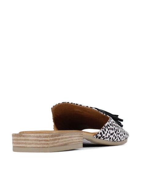 WHITE LEOPARD WOMENS FOOTWEAR BUENO FASHION SANDALS - BUADIELIAWHTL
