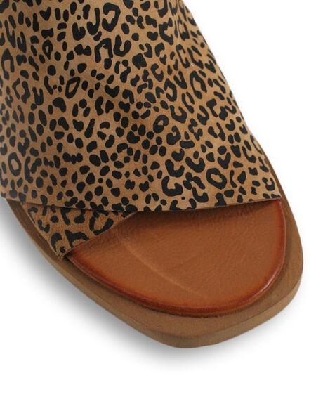 SCISSORS LEOPARD WOMENS FOOTWEAR BUENO FASHION SANDALS - BUJESSESCSL