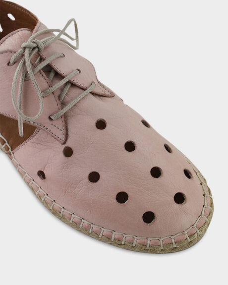 CAMEO WOMENS FOOTWEAR BUENO SNEAKERS - KARALEEAOCAMEO36