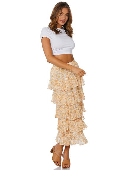 WHITE WOMENS CLOTHING SNDYS TEES - SFT132WHT