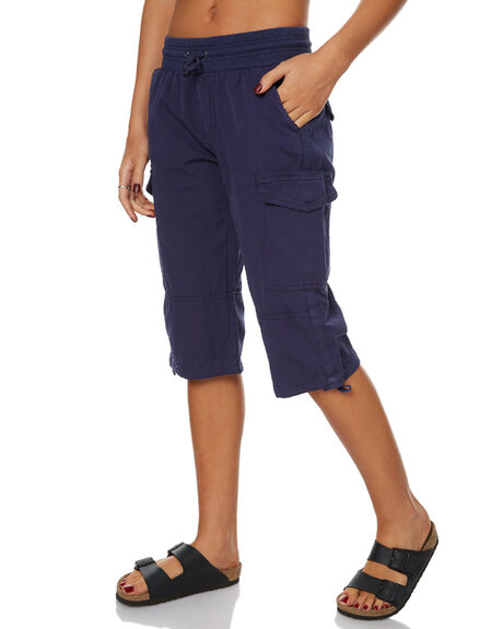NAVY OUTLET WOMENS SWELL SHORTS - S8172231NAV