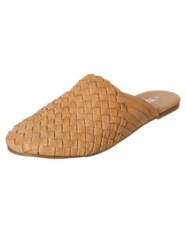 NATURAL WOMENS FOOTWEAR HUMAN FOOTWEAR FASHION SANDALS - BARLANDNAT