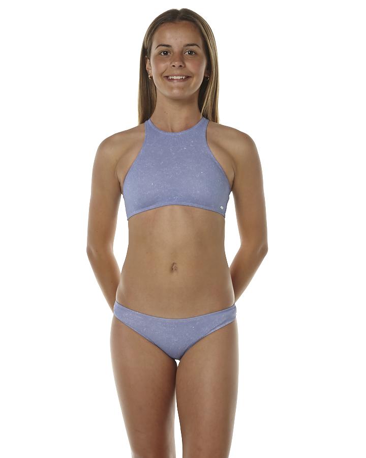 Pics of girls in bikini