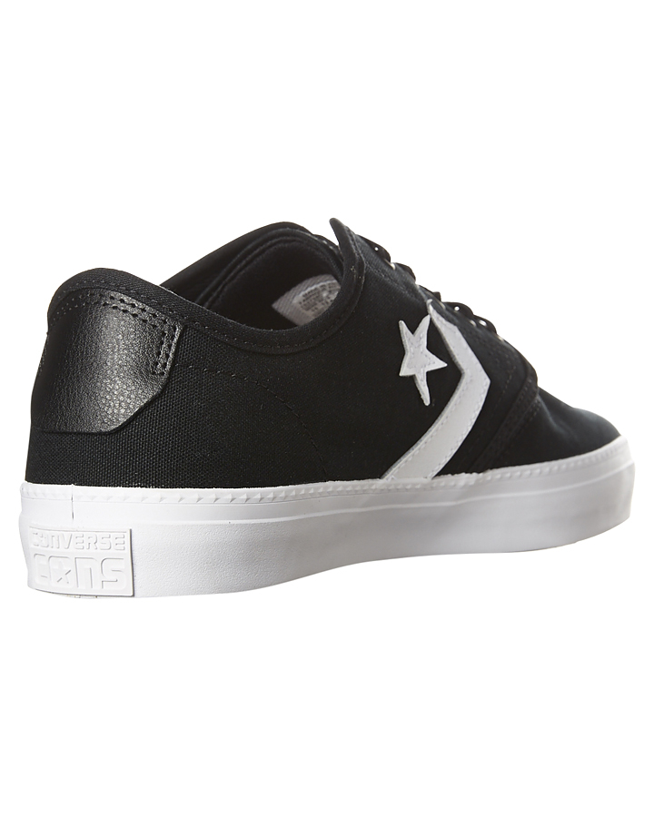 converse zakim low canvas trainers